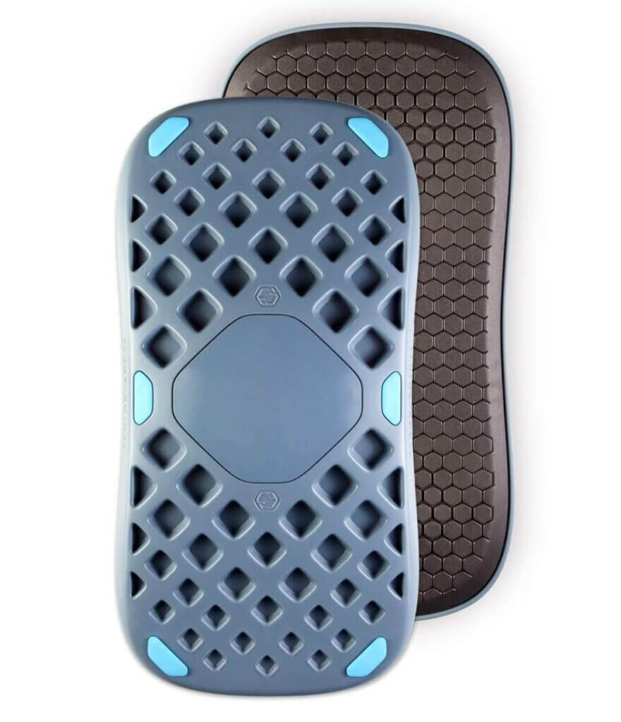 Blue comb pattern solid center front of board in front of black rubberized appearance mat back board